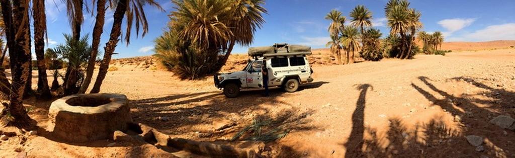 Découverte d?un bivouac oublié du Dakar à la frontière algérienne